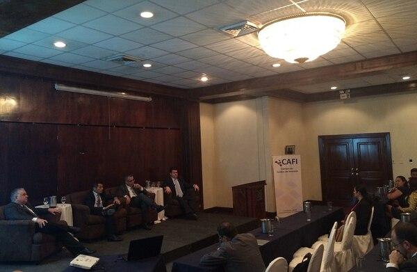 En la actividad de la Cámara de Fondos participaron, de izquierda a derecha, Randall Fernández, gerente de Colliers International; Antonio Pérez, gerente de Multifondos; Pablo Montes de Oca, gerente de BN Fondos y Eduardo Monge, gerente de Mutual SAFI.