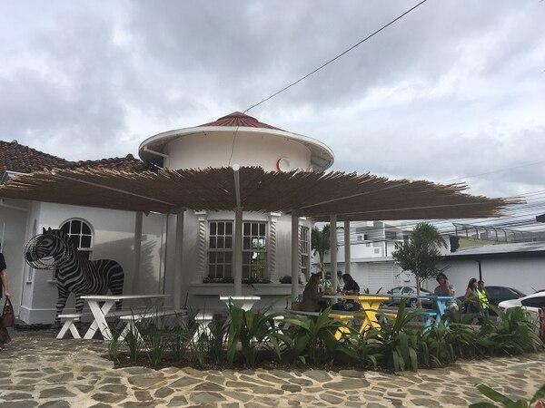 El restaurante está en una casa construida en 1940 y se trató de resaltar la arquitectura original.