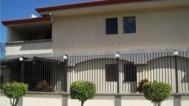 Instituto antidrogas pone en venta dos viviendas del narco