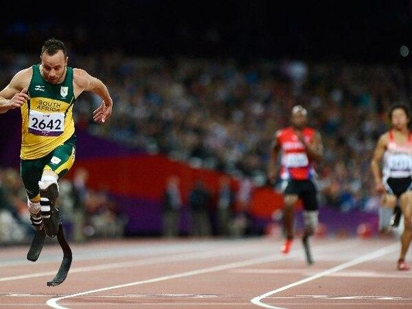 Pistorius se convirtió en en el primer amputado en competir en los Juegos Olímpicos. | AFP