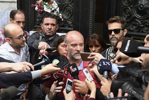 Sergio Maldonado, hermano de Santiago, confirmaba a la prensa -este viernes 20 de octubre del 2017- la identidad del cuerpo hallado en Chubut, sur de Argentina.