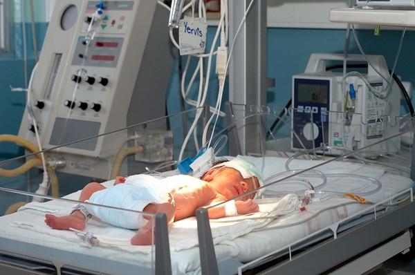 El Calderón Guardia cuenta con un equipo de seis neonatólogos que estarían disponibles para atender ambos partos. | RAFAEL PACHECO/ARCHIVO
