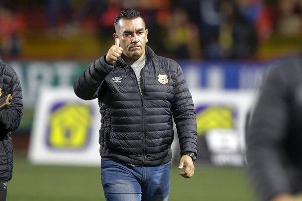 José Giacone llegó a Herediano el 23 septiembre 2019 y en solo tres meses hizo campeón a los florenses. Giacone es uno de los tres timoneles que fueron y actualmente dirigen en Primera División. Fotografía: José Cordero
