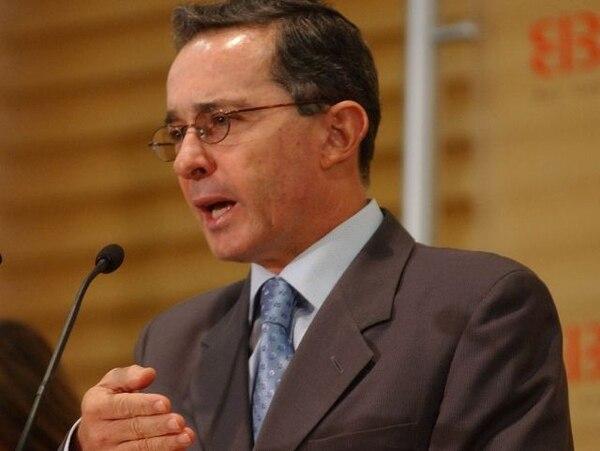 ArchivoÁlvaro Uribe se opone a las negociaciones de paz.