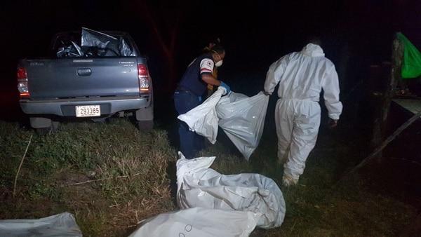 La autopsia de los cuerpos sigue pendiente. Foto: Gesline Anrango