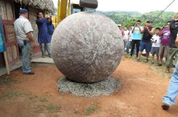 Estas esferas de piedra podrían ser declaradas pronto como patrimonio de la humanidad. | ALFONSO QUESADA