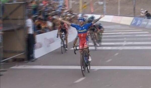 El Tico Román Villalobo hizo suya la segunda etapa de la Vuelta