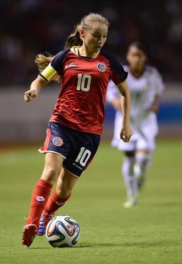 Gloriana Villalobos fue una grata sorpresa en el reciente Mundial Sub-17. Ella deslumbró por su talento, creatividad y capacidad técnica.   FIFA PARA LN