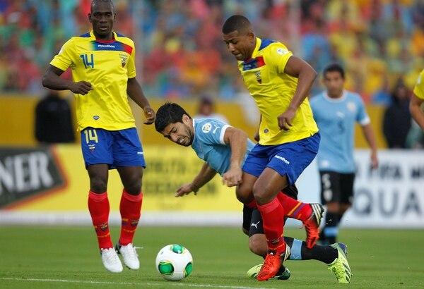 Ecuador está cerca de clasificar a Brasil 2014 después de su triunfo ante Uruguay. Los charrúas, en tanto, podrán disputar el repechaje para optar por una de las últimas plazas al Mundial.
