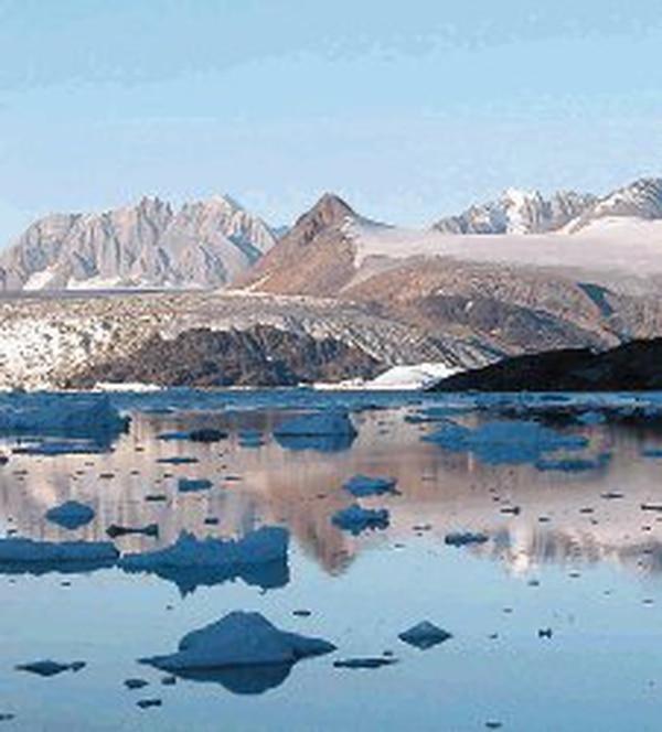 El aumento de temperaturas ha hecho que la cantidad de hielo que se desprende de los glaciares de Groenlandia sea mayor. DOWSDELL/SCIENCE PARA LN