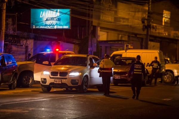El 30 de mayo del 2018, a eso de las 8:40 p. m., se registró el crimen de un comerciante colombiano, quien viajaba solo dentro de un BMW X6. Foto: Alejandro Gamboa Madrigal