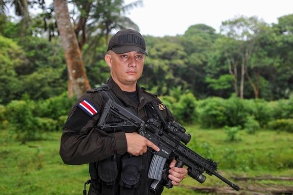 Gerald Camacho cuenta con 22 años de experiencia. Su puesto actual es el de capitán del Departamento de operaciones de la dirección de Policía de Fronteras. | FOTO: ALONSO TENORIO