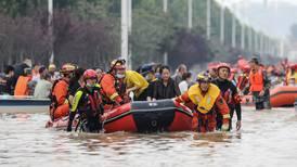 Fuertes lluvias provocan más inundaciones en el centro de China en medio de avance de tifón