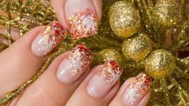Sellos y brillos para las uñas navideñas