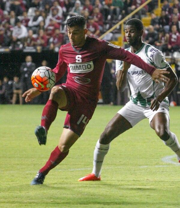 Kurt Frederick marcó a Ariel Rodríguez de Saprissa en un juego por Concacaf disputado el 20 de agosto del 2015 en el Ricardo Saprissa. El zaguero oriundo de Santa Lucía es la nueva ficha de Alajuelense.