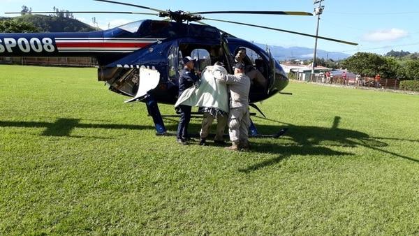Patrulla del Servicio de Vigilancia Aérea, del Ministerio de Seguridad Pública, trasladó a San José al niño extraviado en Santiago de Paraíso, Cartago.