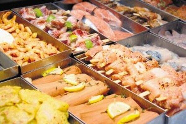 Senasa insta a comer pescado libremente; la UNA acepta el consumo de los de agua dulce y llama a ingerir menos el de agua salada.   ARCHIVO
