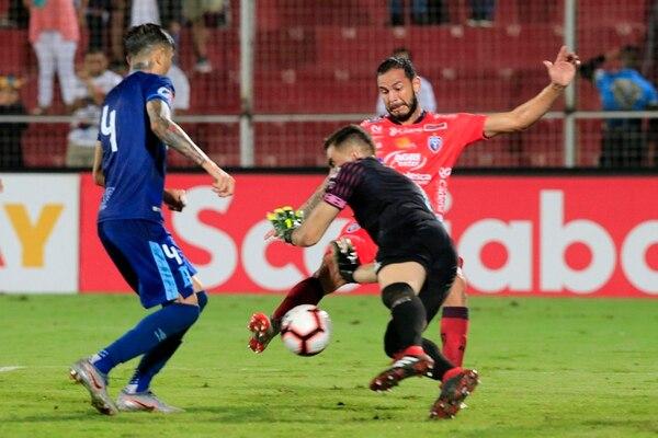 Fernando Brenes marcó el tanto de la victoria para San Carlos, frente al Alianza de El Salvador, que les dio el boleto a la Concachampions. Fotografía: Rafael Pacheco