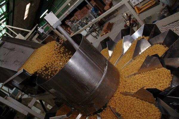 La industria de alimentos estima que el valor agregado y el mercado centroamericano son los puntos fuertes de su futuro.
