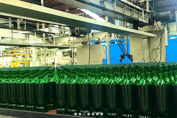 Vista interna de una de la líneas de producción de la planta Vicesa en Loyola en la provincia de Cartago / Imagen: Vicesa para LN