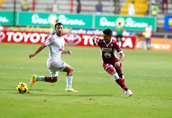 El joven morado Carlos Villegas es uno de los jugadores que ha debutado Carlos Watson este torneo.