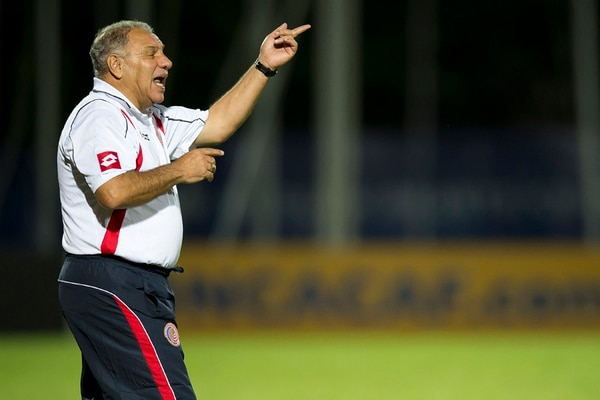 El técnico de la Selección Femenina Sub-20, Carlos Avedissián, dijo que la fortaleza de sus dirigidas es la unión de grupo. | MEXSPORT / CONCACAF
