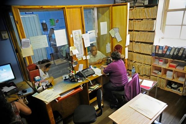 La Caja deberá decidir si implementa el expediente digital o se mantiene el de papel, como ocurre en el Ebáis de Lourdes de Montes de Oca. | ARCHIVO