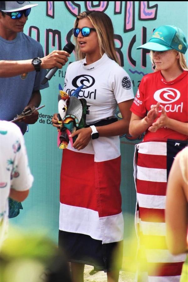Valeria Ojeda, quie tiene 13 años de edad y es oriunda de Jacó, logró subir al podio del evento internacional. Fotografía: Carlos Brenes