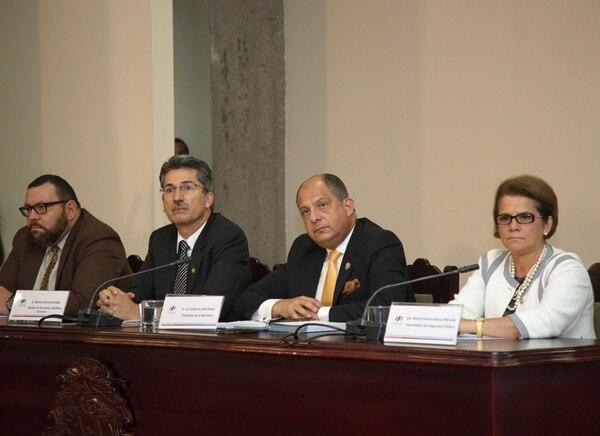 El presidente de la República, Luis Guillermo Solís, durante la conferencia de prensa ofrecida ayer, en Casa Presidencial, para referirse al acuerdo alcanzado por Patria Justa. | CORTESÍA DE LA PRESIDENCIA DE LA REPÚBLICA