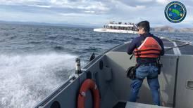 Guardacostas rescata a 70 ocupantes de catamarán a la deriva en Playas del Coco