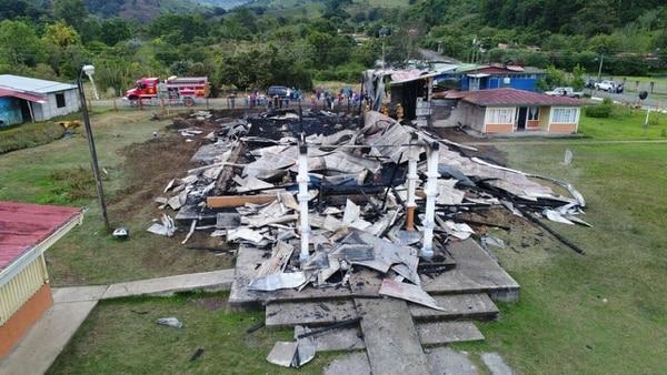 Iglesia de Copey de Dota destrozada el 6 de agosto del 2017.