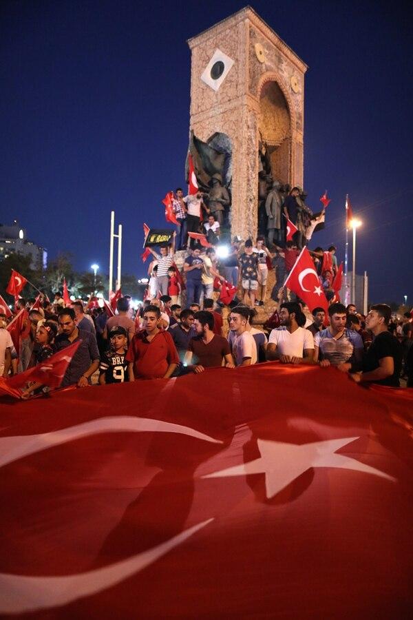 Abortado golpe de Estado en Turquía causó 265 muertos