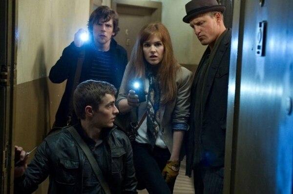 Cuatro ilusionistas son reunidos misteriosamente para cumplir la más enigmática tarea de la magia, por lo que la policía los persigue y, en el cine, el espectador se entretiene. Romaly para La Nación.Magia.