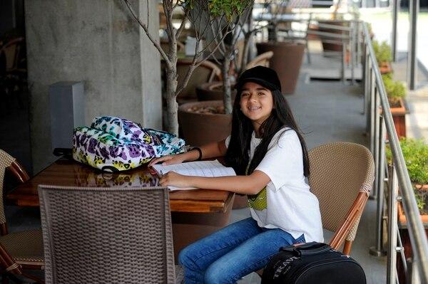 Fiorella Calderón Mora se esfuerza en obtener buenas calificaciones porque desea estudiar en Alemania. Fotografía: Gesline Anrango