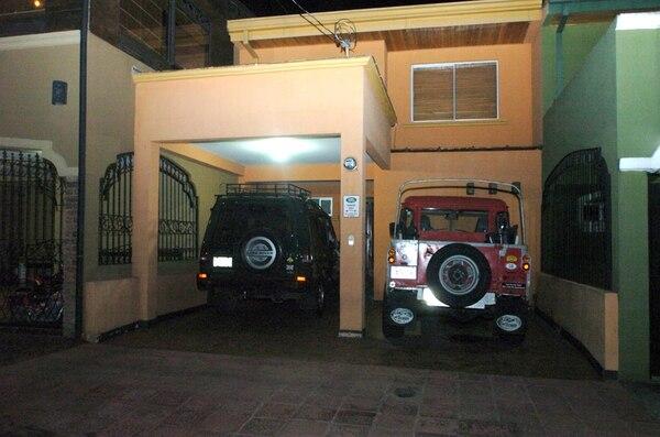 Fiscales del Ministerio Público allanaron el 6 de marzo del 2009 la vivienda del exsecretario general del OIJ, Marlon Schlotterhausen Rojas (foto inserta), en Desamparados. | ALONSO TENORIO/ ARCHIVO