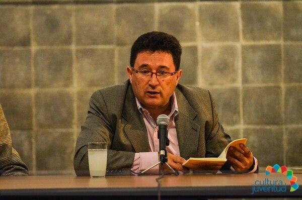 El poeta Ignacio Carballo recitará versos extraídos de su más reciente libro