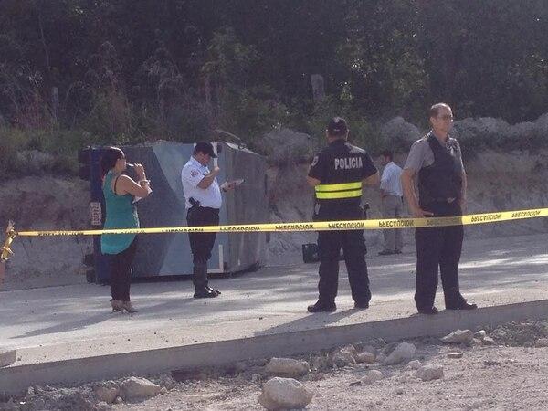 Un custodio de camión remesero fallece tras volconazo este martes en el sector de Bagaces.