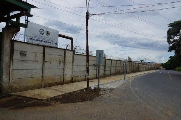 En la cárcel Jorge Arturo Montero se ordenó la suspensión de las visitas familiares, conyugales, el traslado a otros ámbitos y el aislamiento de personas contagiadas. Foto: Archivo LN