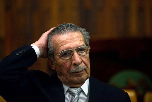 El expresidente de facto de Guatemala (1982-1983), el general retirado José Efraín Ríos Montt, durante el juicio en su contra en 2013. | AFP