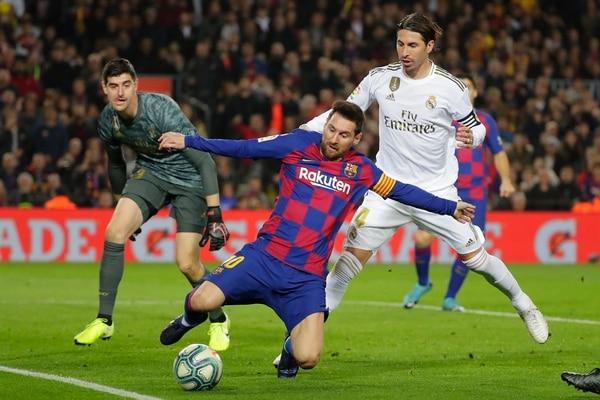 Lionel Messi y Sergio Ramos se volverán a ver las caras en el Clásico Español. AP