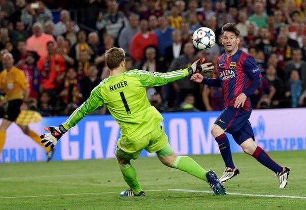 Lionel Messi anota su segundo gol ante el Bayern de Múnich. Foto: EFE