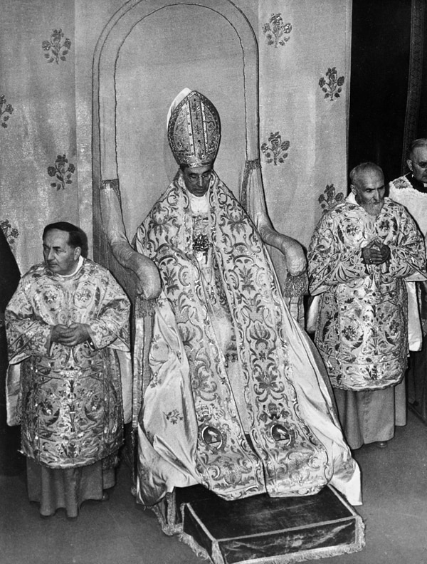 (FILES) This file photo taken on October 01, 1950 shows Pope Pius XII, head of the Catholic Church from March 2, 1939 to his death on October 9, 1958. - The entire Vatican archives on the pontificate of Pope Pius XII (1939-1958) are to open on March 2, 2020, a decision which had been called for decades by Jewish historians and organizations. (Photo by - / AFP)