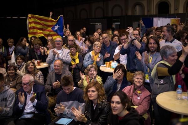 Partidarios de la Izquierda Republicana de Cataluña celebraron los resultados de las elecciones generales en Barcelona, España, el domingo 28 de abril de 2019. Foto: AP