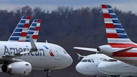 American Airlines volará con los aviones llenos, sin que los pasajeros guarden distancia a pesar del coronavirus