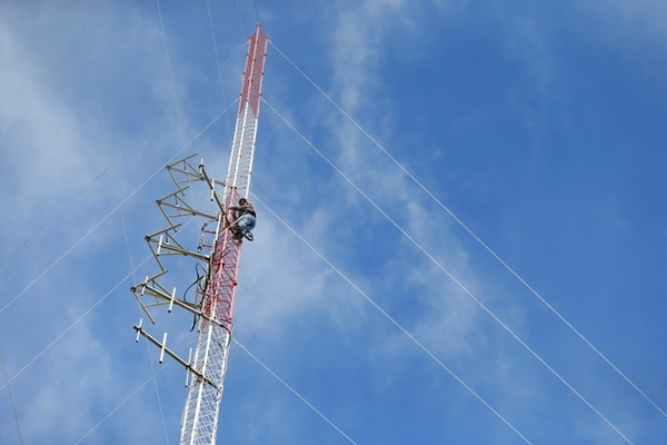 El Micitt propuso sancionar a radioemisoras y televisoras con multas, suspensiones y hasta con cancelación de las concesiones. | ALBERT MARÍN