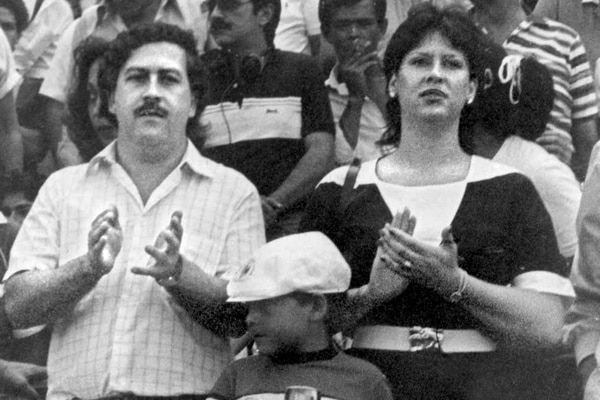 (FILES) Undated file photo showing late Colombian drug lord Pablo Escobar (L), his wife Victoria Eugenia Henau (R) and his son Pablo Escobar in Bogota. Victoria Eugenia Henau was arrested along with her son in Argentina on November 16, 1999 and charged with money laundering. On December 2, 2013 commemorates the 20th anniversary of Escobar's death. AFP PHOTO / EL TIEMPO