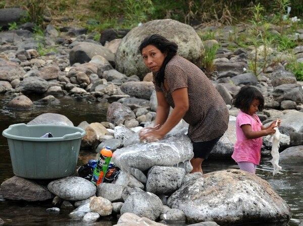 Honduras, de los países más pobres de la región, ha aumentado su déficit en parte para la compra de armas y reforzamiento del ejército. | AFP