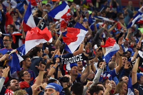 Aficionados de Francia celebran la victoria sobre Bélgica en la semifinal de Rusia 2018. Foto: AFP
