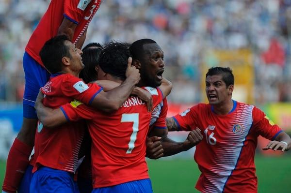 Kendall Waston dejó en evidencia su emoción tras marcar el tanto del empate para Costa Rica ante Honduras.