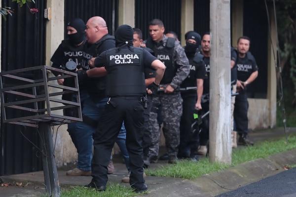 El OIJ allanó una casa situada en Granadilla de Curridabat, donde detuvo a un hombre de apellidos Núñez Romero, de 36 años.